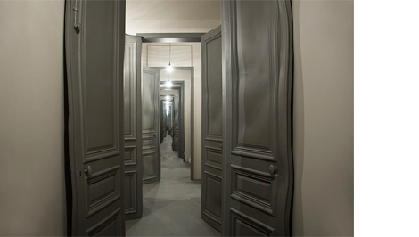 HEIMsuchung - Uncanny spaces in contemporary art